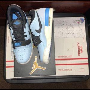 Nike Air Jordan Legacy 312 Low GS Basketball 7y